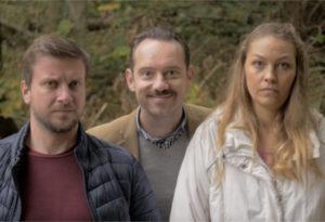 Naslovna slika videa, na kateri je Jože na sredini med mlajšim moškim in žensko