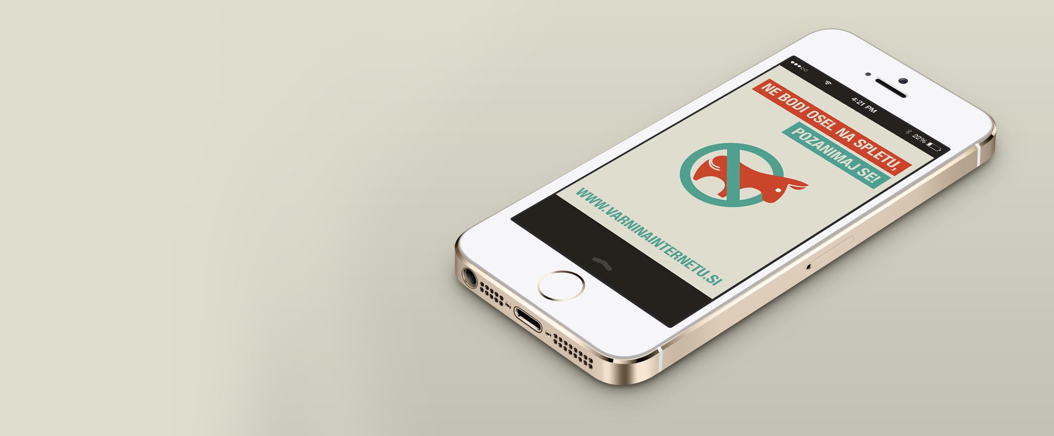 Slika pametnega telefona s sliko Varni na interneru